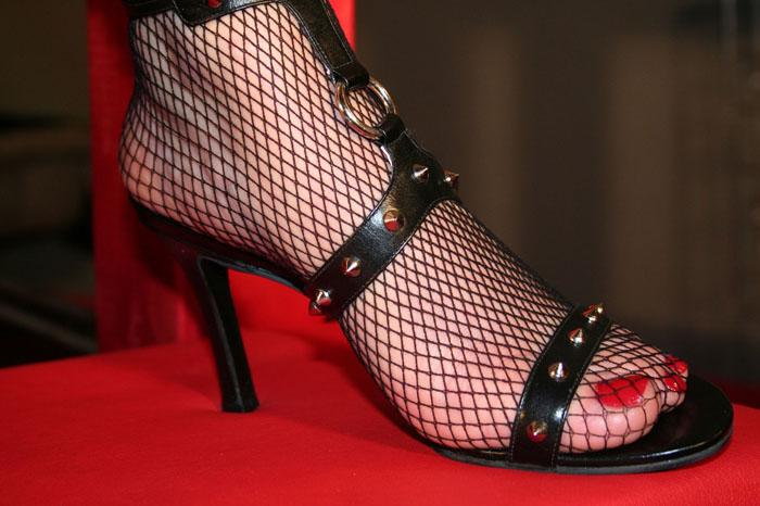 Annonces de femmes proposant leurs pieds pour fétichisme!